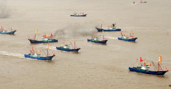 Giới chuyên gia cho rằng Trung Quốc đã điều hàng trăm tàu cá làm lực lượng dân quân hoạt động ở khu vực quần đảo Trường Sa thuộc chủ quyền Việt Nam /// AFP