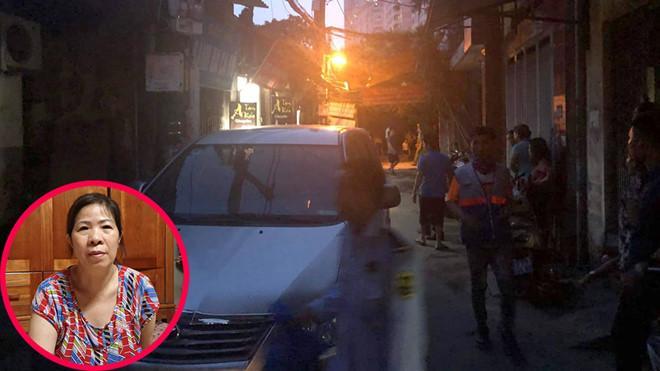 Khoảng 18 giờ 30 ngày 27.8, lực lượng chức năng đã đến nhà bà Nguyễn Bích Quy, người đưa đón học sinh trường Gateway để đọc lệnh bắt tạm giam /// Ảnh CTV