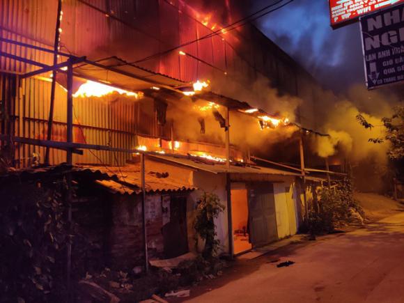 Lãnh đạo phường bác bỏ tin đồn môi trường bị ô nhiễm thuỷ ngân từ vụ cháy Công ty Rạng Đông - Ảnh 1.