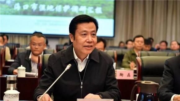 Trương Kỳ, Ủy viên thường vụ tỉnh ủy Hải Nam, Bí thư thành ủy Hải Khẩu bị bắt hôm 6/9 đang gây chấn động về số tiền tham nhũng.