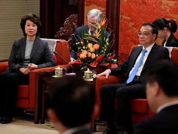 Nữ Bộ trưởng Giao thông Mỹ gốc Hoa Elaine Chao bị điều tra vì thông đồng với Trung Quốc và mưu lợi riêng - Ảnh 1.