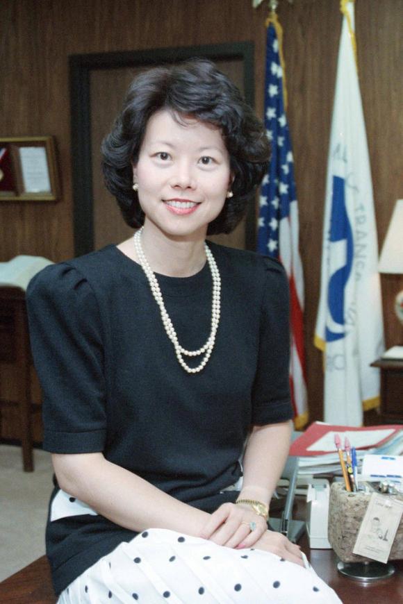 Nữ Bộ trưởng Giao thông Mỹ gốc Hoa Elaine Chao bị điều tra vì thông đồng với Trung Quốc và mưu lợi riêng - Ảnh 6.