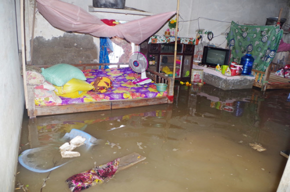 Vận hành thử cống chống ngập, 100 nhà dân bị ngập nặng - ảnh 2