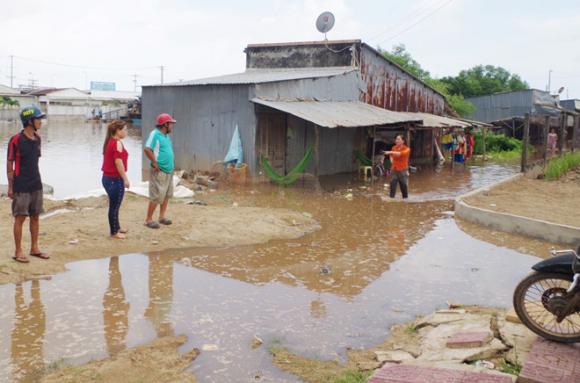 Vận hành thử cống chống ngập, 100 nhà dân bị ngập nặng - ảnh 3