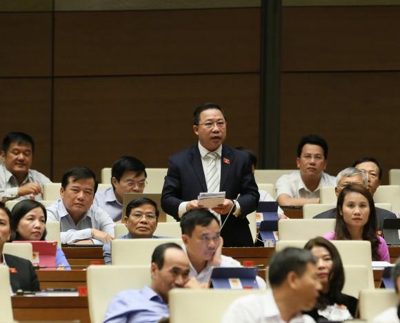 Chính sách - ĐBQH Lưu Bình Nhưỡng: Nhiều cán bộ sẵn sàng 'hy sinh đời bố để củng cố đời con'