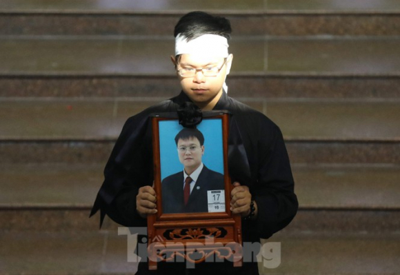 Lời nhắn nhủ đẫm nước mắt của anh trai Thứ trưởng giáo dục Lê Hải An - ảnh 2