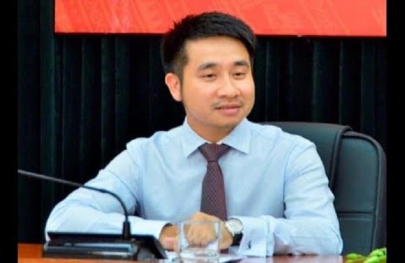 """Ong Vu Hong Son bo nhiem than toc the nao ma """"ham nong"""" nghi truong?"""