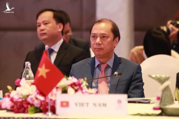Thứ trưởng Ngoại giao Nguyễn Quốc Dũng tại Hội nghị Quan chức cấp cao ASEAN chuẩn bị cho Hội nghị cấp cao ASEAN lần thứ 35 ngày 1-11 tại Thái Lan - Ảnh: ASEAN