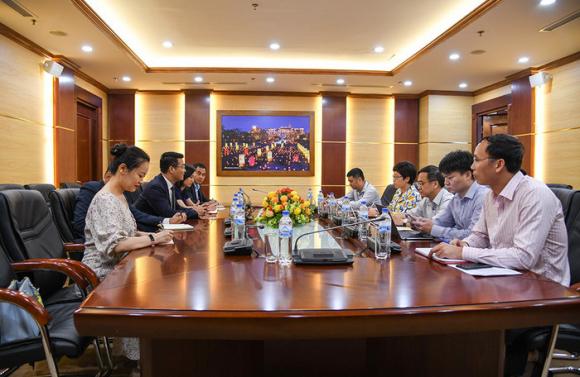 Bị Viettel, Vinaphone, Mobifone 'nói không', Huawei xin hợp tác với Ủy ban quản lý vốn nhà nước