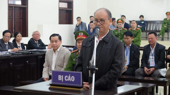 Cựu chủ tịch Đà Nẵng nói có 5 khẩu súng do phụ trách mảng hơi tế nhị - Ảnh 1.