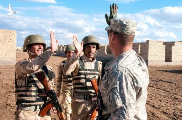 CẬP NHẬT: Chiến tranh bùng nổ, Iran khai hỏa đòi nợ máu, nhiều căn cứ Mỹ bị tấn công - Căng thẳng tột độ - Ảnh 4.