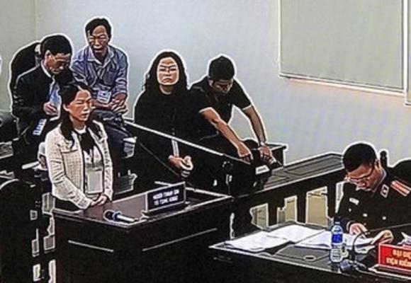 Vợ Phan Văn Anh Vũ nói gì về số nhà đất bị kê biên? - ảnh 1