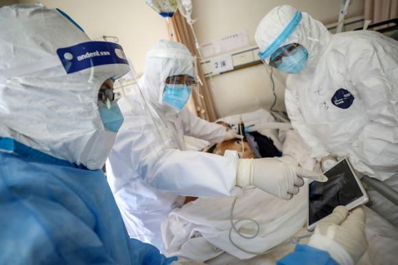 Các nhà nghiên cứu Trung Quốc đưa ra một số giả thuyết về nguồn bộc phát dịch COVID-19 /// AFP/Getty
