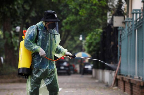 Khảo sát quốc tế: Người Việt tin tưởng chính phủ nhất về chống dịch COVID-19 - Ảnh 1.