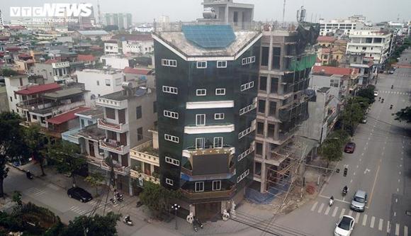 Hai tòa nhà của Đường 'Nhuệ' vi phạm trật tự xây dựng, vẫn đứng sừng sững - 10