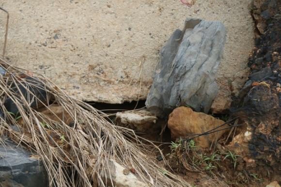 Công trình chưa bàn giao đã hư hỏng khi mùa mưa chưa bắt đầu - 7