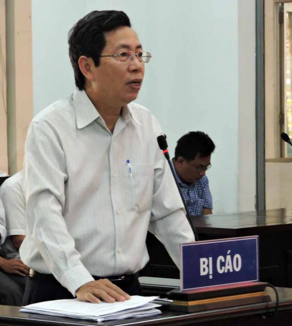 Bị tuyên phạt 9 tháng tù vẫn giữ chức phó chủ tịch TP Nha Trang? - Ảnh 1.