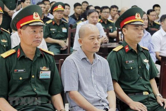 Viện kiểm sát xin giảm nhẹ cho cựu thứ trưởng Quốc phòng - ảnh 1