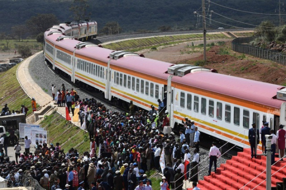 Dự án đường sắt 3,2 tỷ USD dùng vốn của Trung Quốc bị tuyên bất hợp pháp - 1