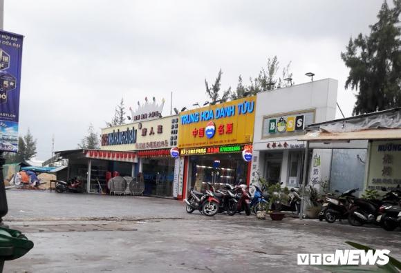 Can canh 'pho nguoi Hoa' sat San bay Nuoc Man Da Nang hinh anh 4