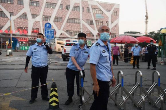 79 người nhiễm bệnh sau bốn ngày, liệu Bắc Kinh có trở thành Vũ Hán thứ hai? - ảnh 2