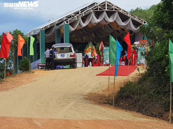 Nhiều lãnh đạo đi dự lễ khởi công dự án sân golf 'chui' ở Thừa Thiên - Huế - 3