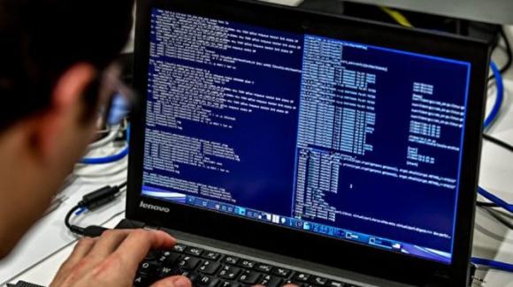 Chuyên gia an ninh mạng của Google cáo buộc các nhóm tin tặc của Trung Quốc và Iran tìm cách xâm nhập hộp thư điện tử của đội ngũ tranh cử của các ông Joe Biden và Donald Trump (Ảnh:6do)