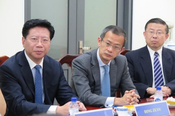 Ông Ding Zuyu (giữa), Tổng giám đốc điều hành E-House Trung Quốc, tại buổi làm việc /// Ảnh: Trung Hiếu