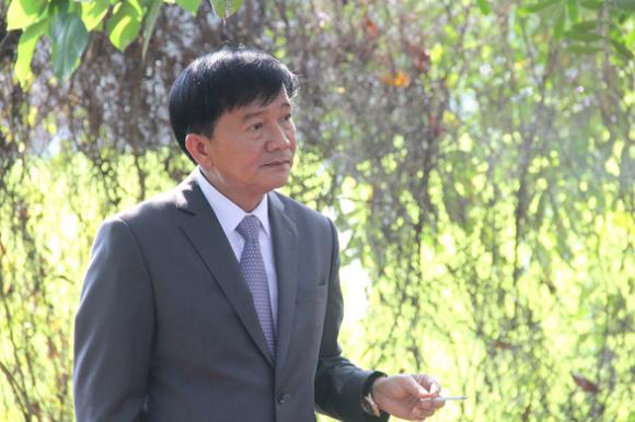 Bí thư và chủ tịch Quảng Ngãi gửi đơn cho Bộ Chính trị, Ban Bí thư xin thôi chức - Ảnh 4.