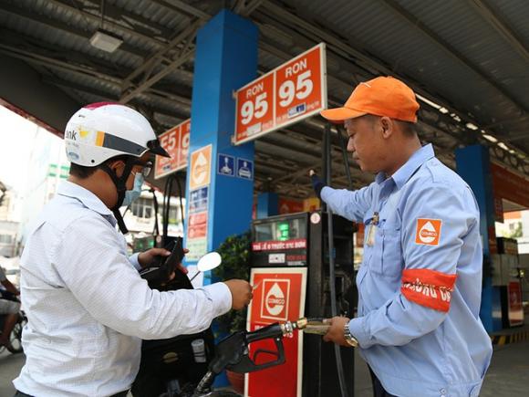 Kinh doanh xăng đang lỗ nặng