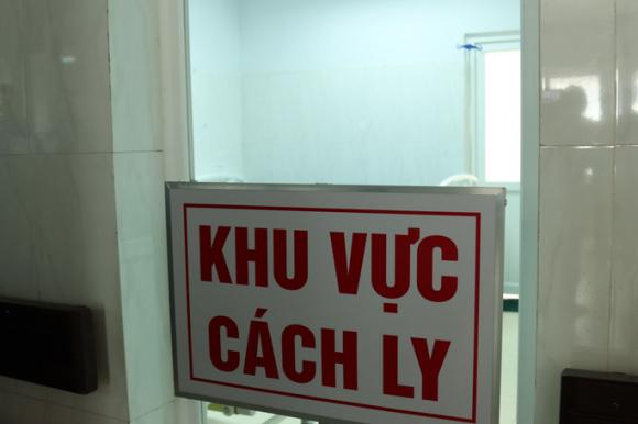 Nữ sinh viên ở Đắk Lắk mắc Covid-19 về quê bằng xe khách - Ảnh 1.