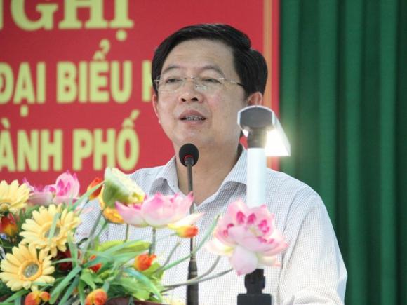 Chủ tịch UBND tỉnh Bình Định Hồ Quốc Dũng tiếp xúc cử tri phường Thị Nại (TP Quy Nhơn).