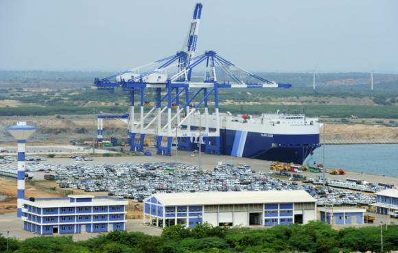 Sri Lanka giao quyền điều hành cảng nước sâu ở Ấn Độ Dương cho công ty Trung Quốc vào năm 2017. Ảnh: AFP.