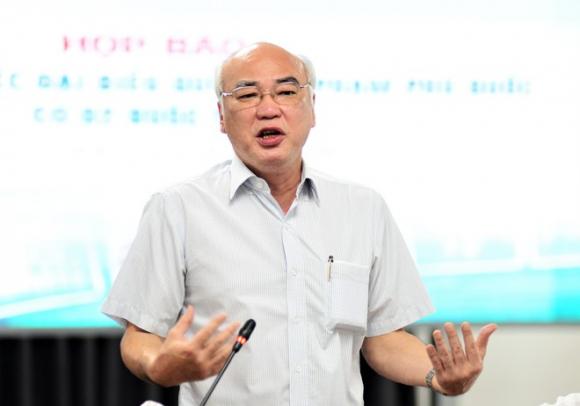 Ông Phan Nguyễn Như Khuê, Trưởng ban Tuyên giáo Thành ủy TP.HCM trao đổi tại buổi họp báo. /// Ảnh: Nguyên Vũ