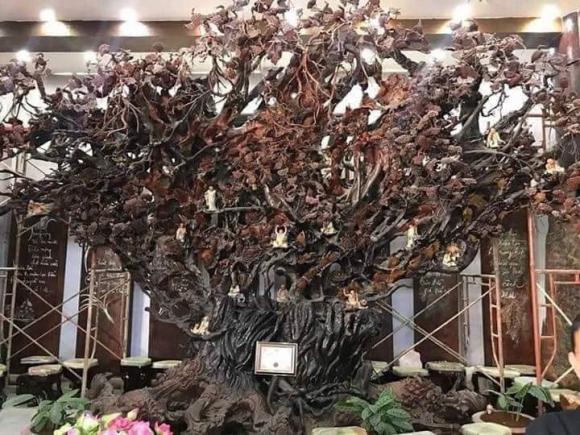 """Dư luận dậy sóng trước những """"món đồ gỗ khủng"""" trong chùa Linh Phước? - Ảnh 7."""