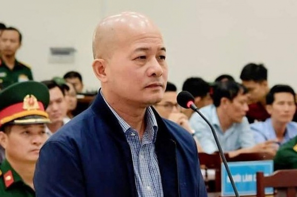 """2 thu truong Bo Tai Chinh lien luy vu Ut Troc: """"Ghe quan"""" co lay?"""