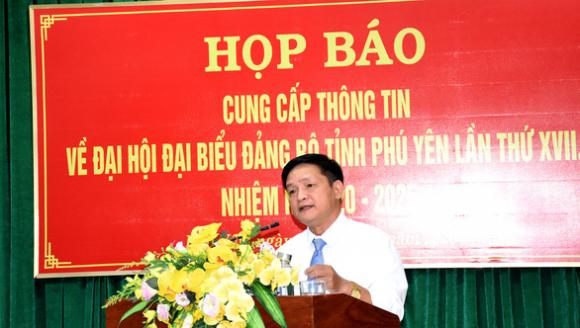 Đại hội Đảng Phú Yên: chỉ sử dụng cặp giấy giả da, quà được quy ra tiền - Ảnh 2.