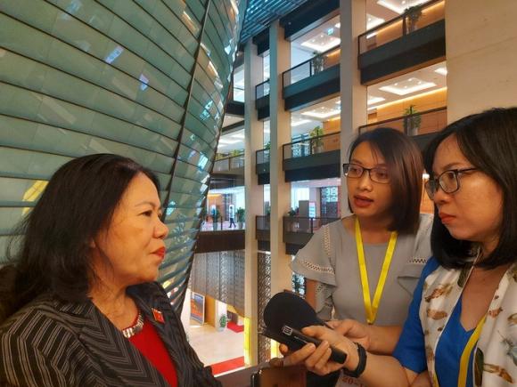 Chủ tịch Hội Chữ thập đỏ Việt Nam: Việc làm của ca sĩ Thủy Tiên không phạm luật - Ảnh 1.