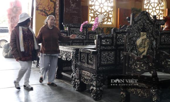 """Dư luận dậy sóng trước những """"món đồ gỗ khủng"""" trong chùa Linh Phước? - Ảnh 5."""