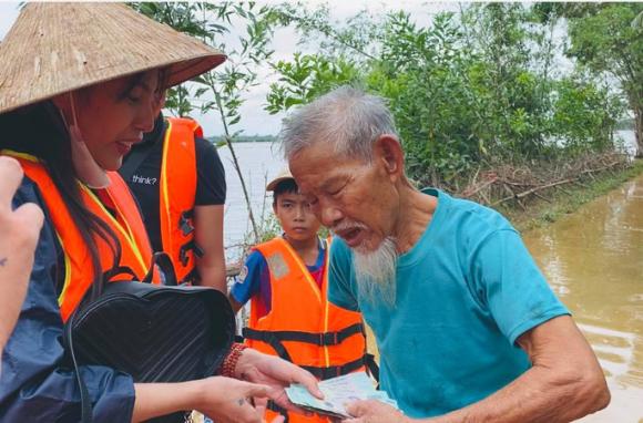 Đại biểu Quốc hội nói về việc ca sĩ Thủy Tiên quyên góp được hơn 100 tỉ đồng - Ảnh 2.