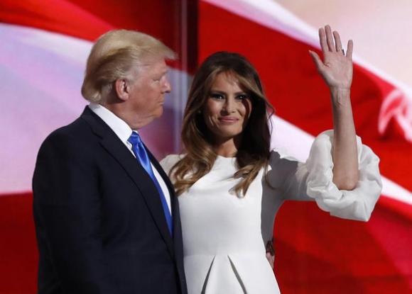 Tổng thống Trump và đệ nhất phu nhân dương tính với COVID-19 - Ảnh 1.
