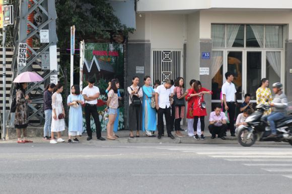 Phù phép biến người Trung Quốc thành người Việt Nam - Ảnh 1.