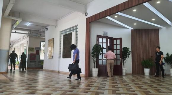 Bộ Công an khám xét nơi làm việc của Giám đốc bệnh viện mắt TP.HCM - ảnh 2