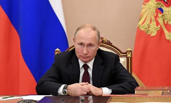 Tổng thống Nga Putin dự cuộc họp video với các lãnh tụ tôn giáo nhân Ngày thống nhất Quốc gia tại thủ đô Moksva, Nga, hôm 4/11. Ảnh: Reuters.