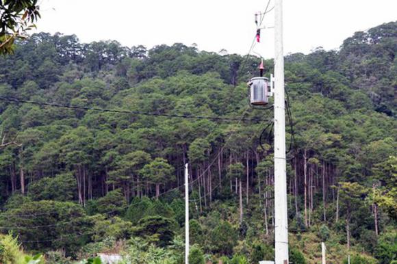 Vụ 54 căn nhà trái phép dưới chân núi Voi: Đơn vị nào đã cấp điện? - Ảnh 3.