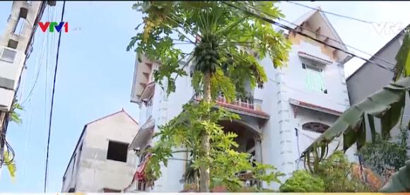 Ngỡ ngàng khi một hộ nghèo ở căn nhà 3 tầng đồ sộ, sang trọng như biệt thự ở Bắc Giang - Ảnh 2.