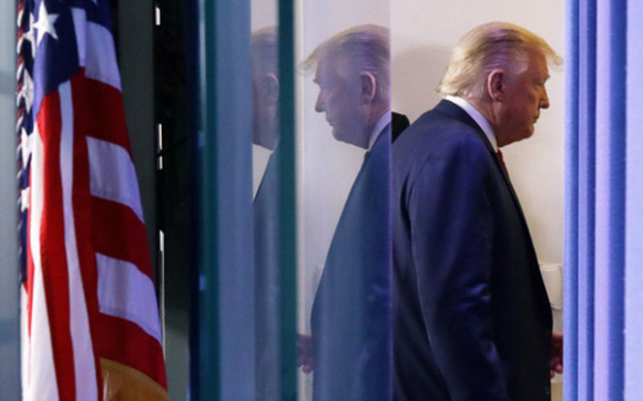 """Ông Trump sắp bị tước mất """"vũ khí lợi hại nhất"""" sau cuộc bầu cử tổng thống?"""