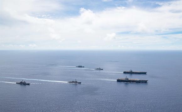 Hai nhóm tác chiến tàu sân bay Mỹ lập đội hình trong cuộc tập trận ở Biển Đông hồi tháng 7 /// Hải quân Mỹ