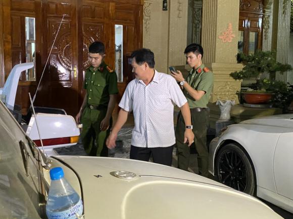 Đại gia chủ biệt thự dát vàng ở Bà Rịa - Vũng Tàu bị bắt - Ảnh 2.