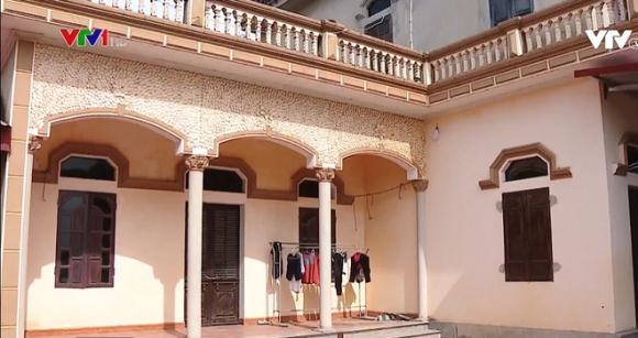 Vụ hộ nghèo ở căn nhà 3 tầng đồ sộ tại Bắc Giang: Chủ tịch xã xin lỗi toàn thể nhân dân - Ảnh 2.